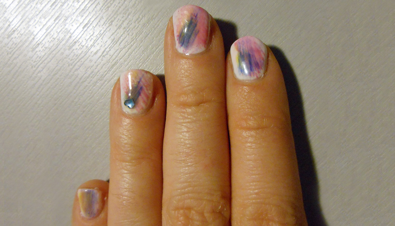 Tie Dye Nails. Click through for the tutorial! | Queen Lila