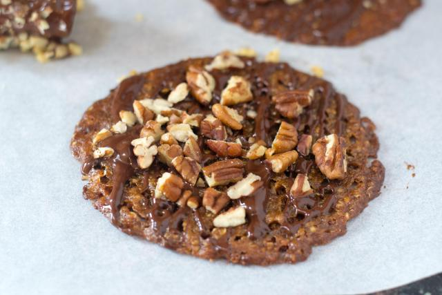 Quinoa Lace Cookies - Beautiful and delicate gluten free cookies with caramel and butterscotch notes. No mixer or stove top prep. required.   QueenofMyKitchen.com
