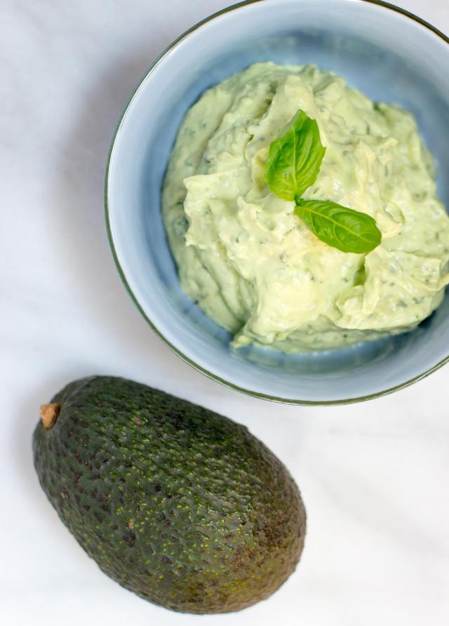 Basil Avocado Yogurt Sauce - a light and refreshing sauce. The perfect condiment for grilled meat, seafood, and veggies. | QueenofMyKitchen.com