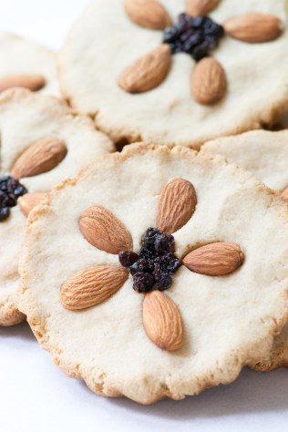 Vegan Almond Flour Cookie Tarts