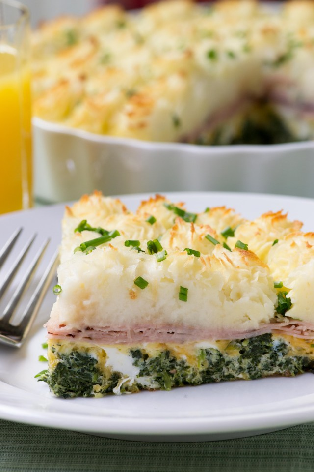 Breakfast Shepherd's Pie - Turn a traditional, old-fashioned dish into extraordinary breakfast fare with this unique recipe this is one of the best uses ever for leftover mashed potatoes. | QueenofMyKitchen.com