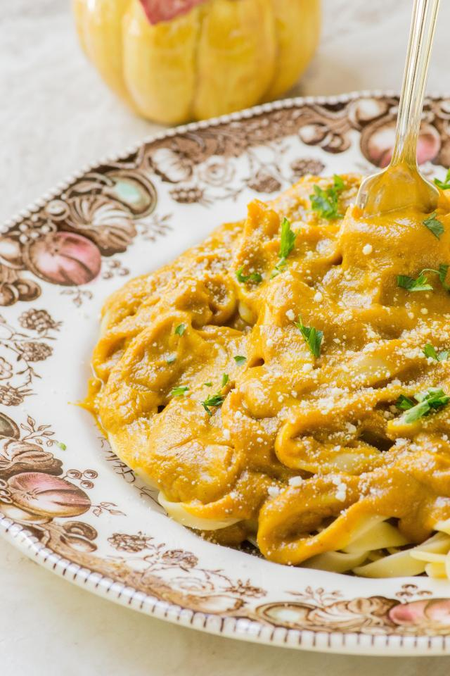 Pumpkin Sweet Potato Alfredo Sauce – A rich, creamy, and healthier Alfredo sauce infused with warm fall spices. Perfect for pasta casseroles or served atop fettuccine. | QueenofMyKitchen.com