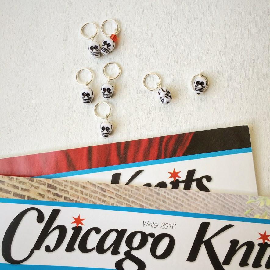 Chicago Knits und Totenköpfe