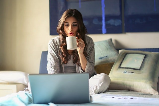 How should Single woman manage finances at every age group