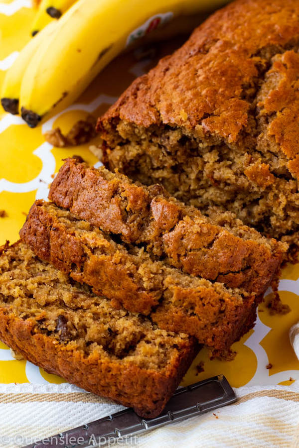 The Most Amazing Banana Bread ~ Recipe | Queenslee Appétit