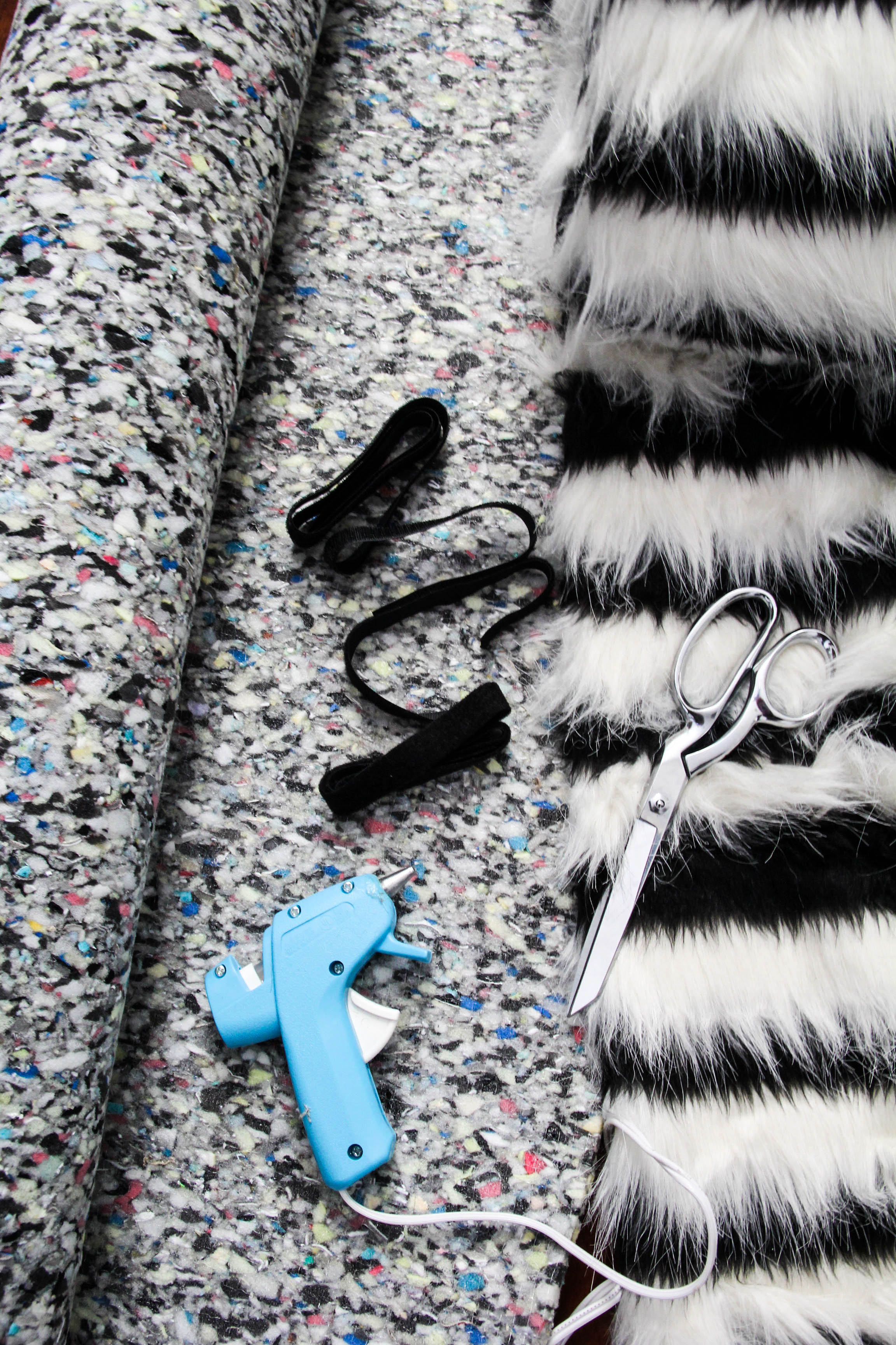 DIY faux fur rug - supplies