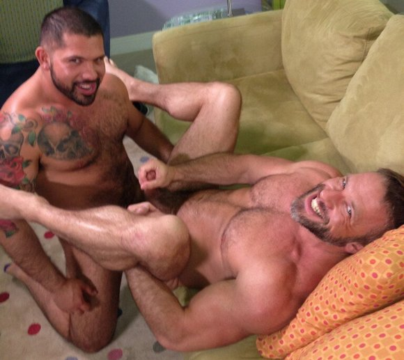 Newcomer Chris Stevens Fucks Tommy Defendi