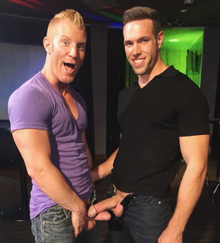 JohnnyV Alex Mecum Gay Porn Dickout