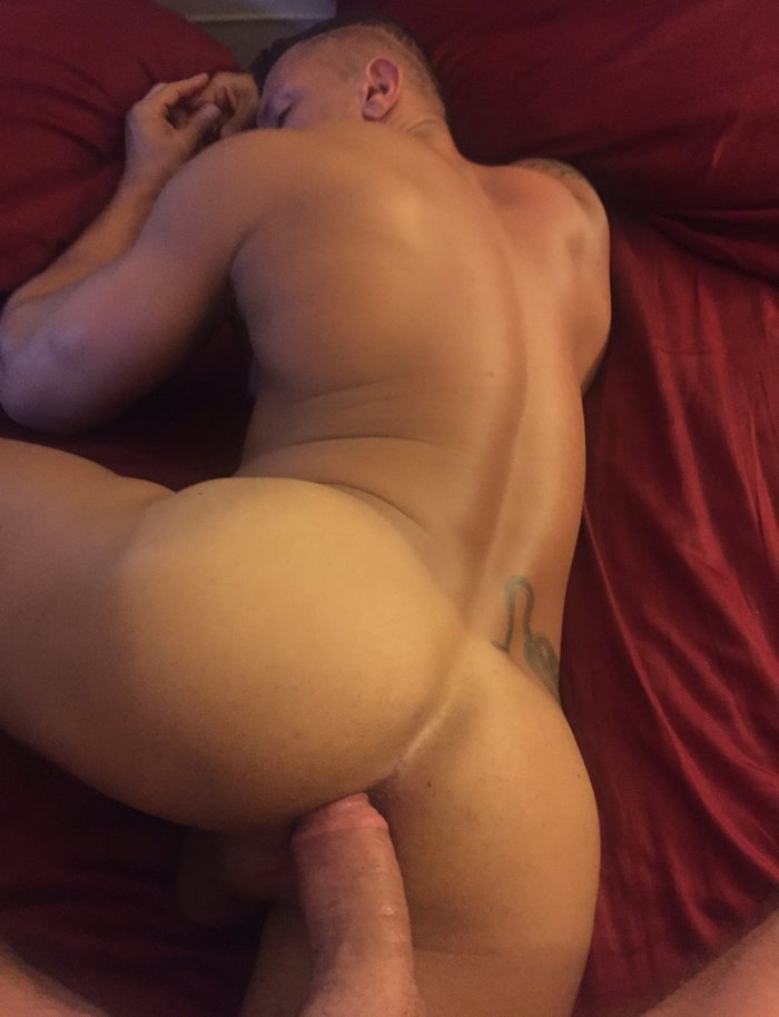 Bareback daddy sex