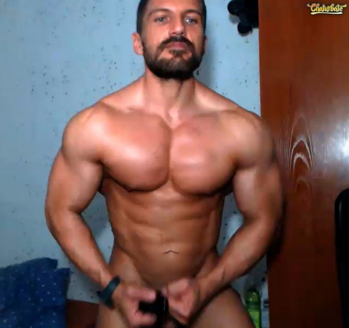 xavier-hulk-naked-muscle-webcam-model