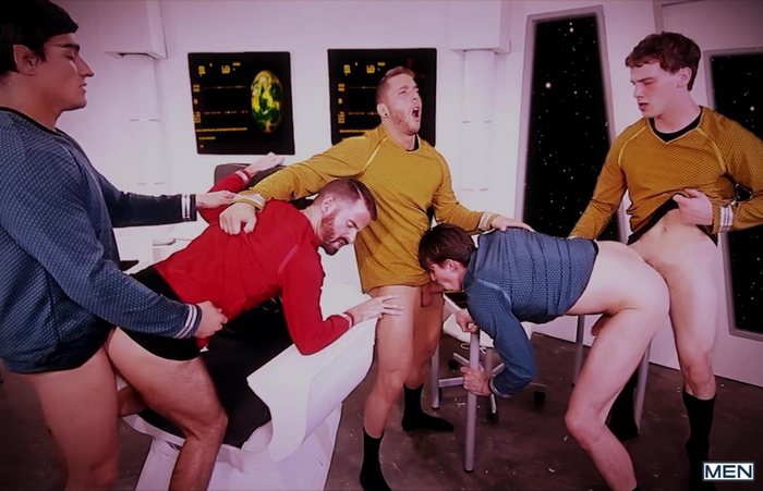 star-trek-gay-xxx-porn-parody-orgy-kirk-spock-group-sex