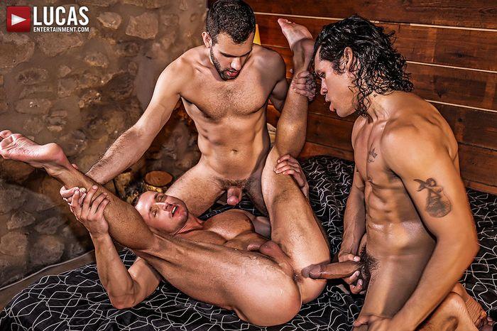 alejandro-castillo-wolf-rayet-dominic-arrow-dennis-sokolov-gay-porn-3