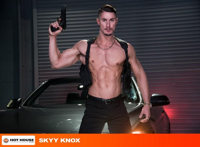 Skyy Knox Gay Porn Beaux Banks XXX