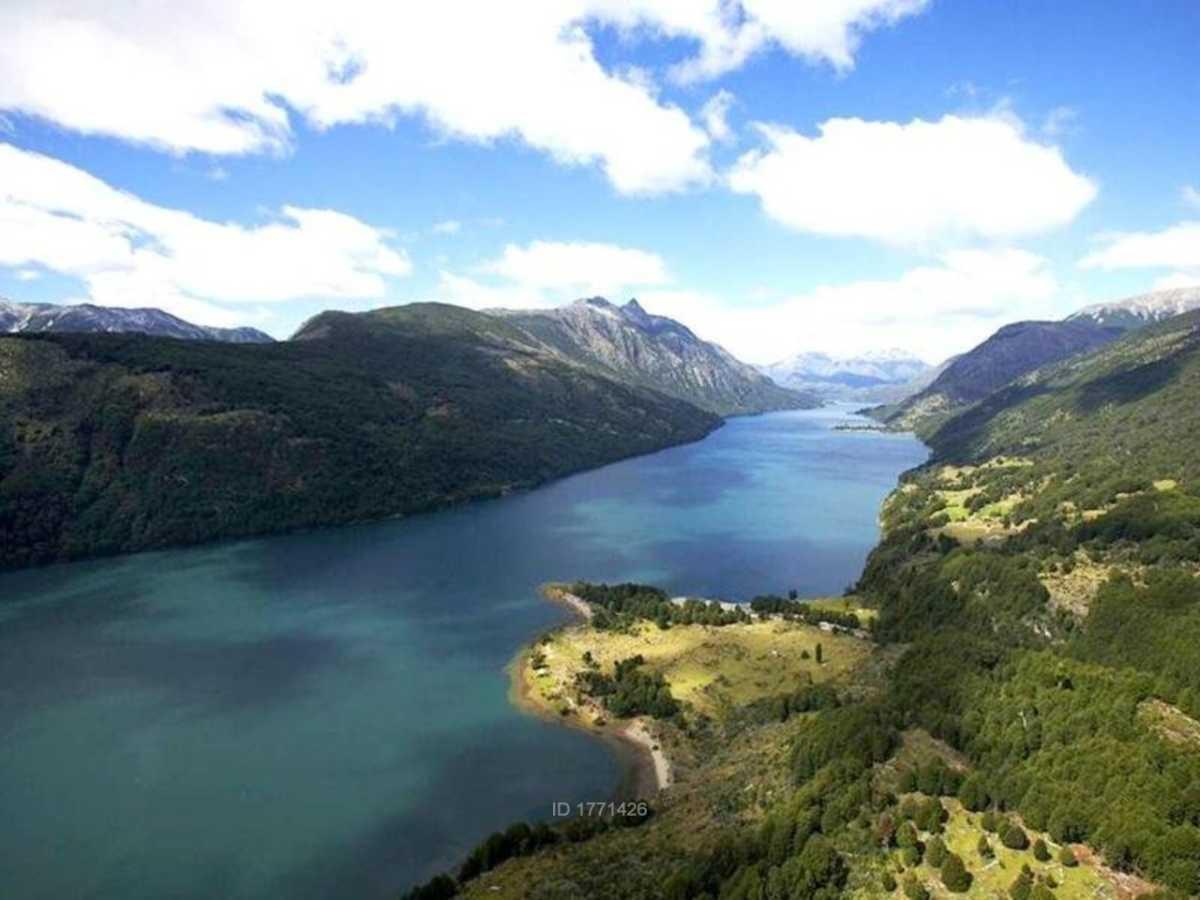 Lago Espolón: Un paraíso para los amantes del agua y la naturaleza