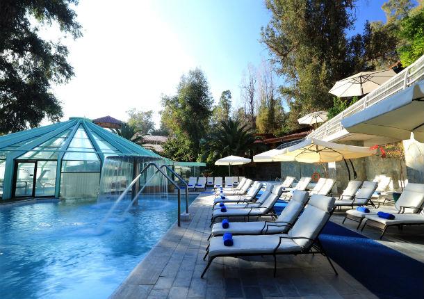 ¡Relájate! 7 termas cerca de Santiago para disfrutar del invierno