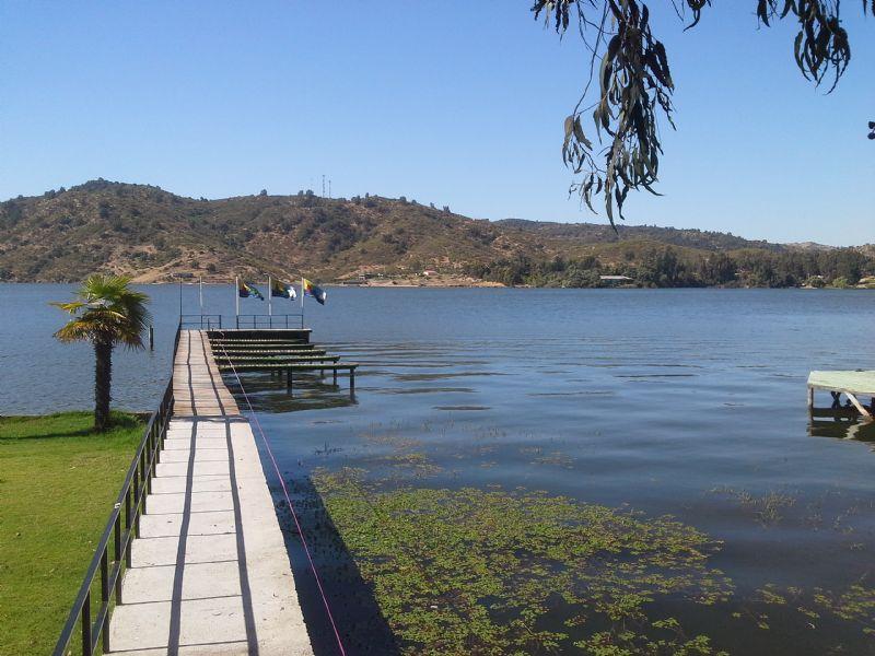 Lago Rapel: Un destino turístico de temporada completa ideal para deportes acuáticos