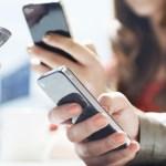 Uso excessivo de celular pode causar problemas de coluna