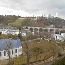 Vue des casemates sur le Clausen et le Kirchberg (Luxembourg)