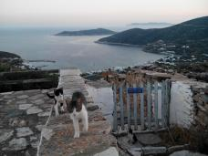 Vue du parvis du Monastère de Panagia to Vouno (Sifnos)