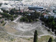 Vue sur le Théâtre de Dionysos et le Musée de l'Acropole (Athènes)