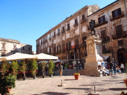 Piazza Bologni (Palerme)