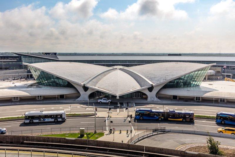 Aeropuerto convertido en hotel 5 estrellas