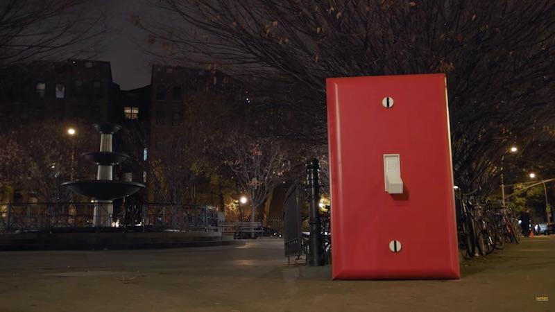 Navidad con Improv Everywhere: The light switch