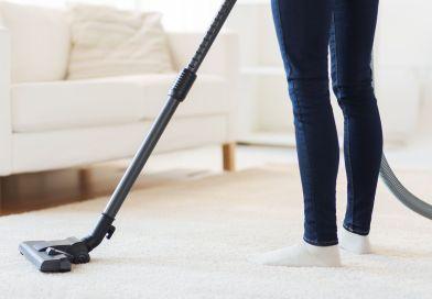 Une femme de ménage peut passer l'aspirateur chez vous