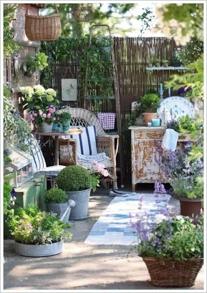 l 39 arte del riciclo arredare un giardino in stile shabby