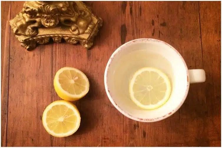 acqua calda e limone i segreti di bellezza della nonna