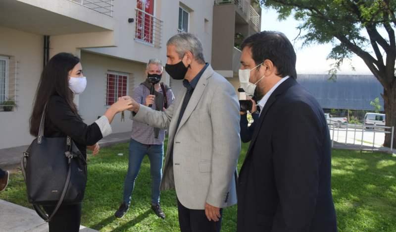 Fernando Moreira y Jorge Ferraresi entregaron nuevas viviendas Procrear en San  Martín | Que Pasa Web - Diario de la Zona Norte y Oeste del conurbano