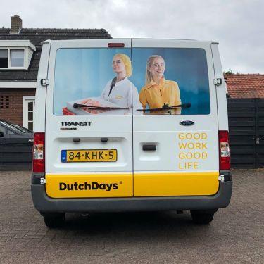 Beletterde achterzijde bus Dutch Days