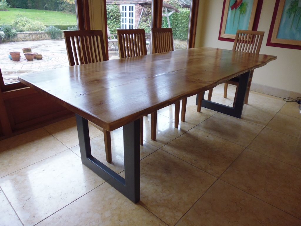Handmade Live Pippy Edge Dining Table with Metal Base