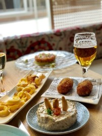 mana 75 restaurante que se cuece en bcn cenas grupos planes barcelona (6)