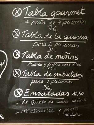 Restaurante La Quesera Barcelona fondues raclettes que se cuece en Bcn (13)