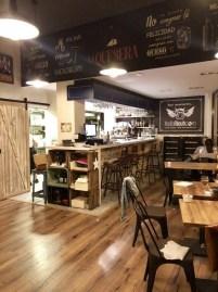 Restaurante La Quesera Barcelona fondues raclettes que se cuece en Bcn (26)