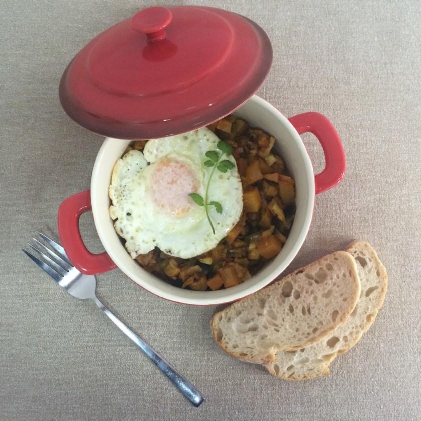 pisto-de-verduras-con-huevo-a-la-plancha-01
