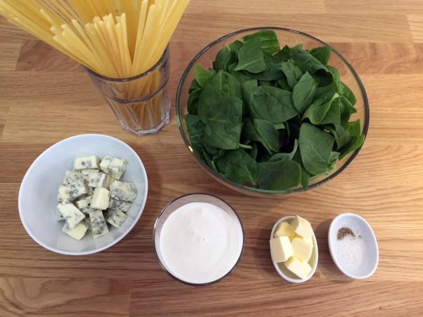 tallarines-con-espinacas-y-gorgonzola-01