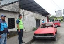 Comisaría Municipal ordena a dueños de talleres mantener despejado la vía pública