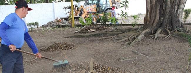 Municipio interviene con limpieza en el área donde se va a realizar la Expo Quevedo 2019