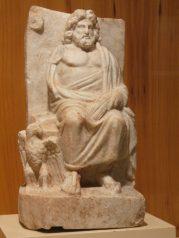 Statua di Zeus rinvenuta a Nicomedia in Bitinia - Museo archeologico di Istanbul.