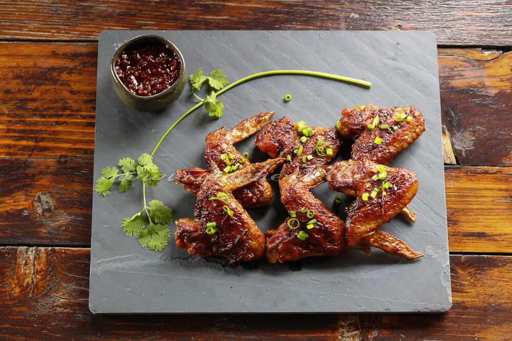 Asian Style Hot Chicken Wings / www.quichentell.com