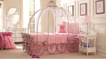 Children's canopy bed styled after Cinderella's carriage