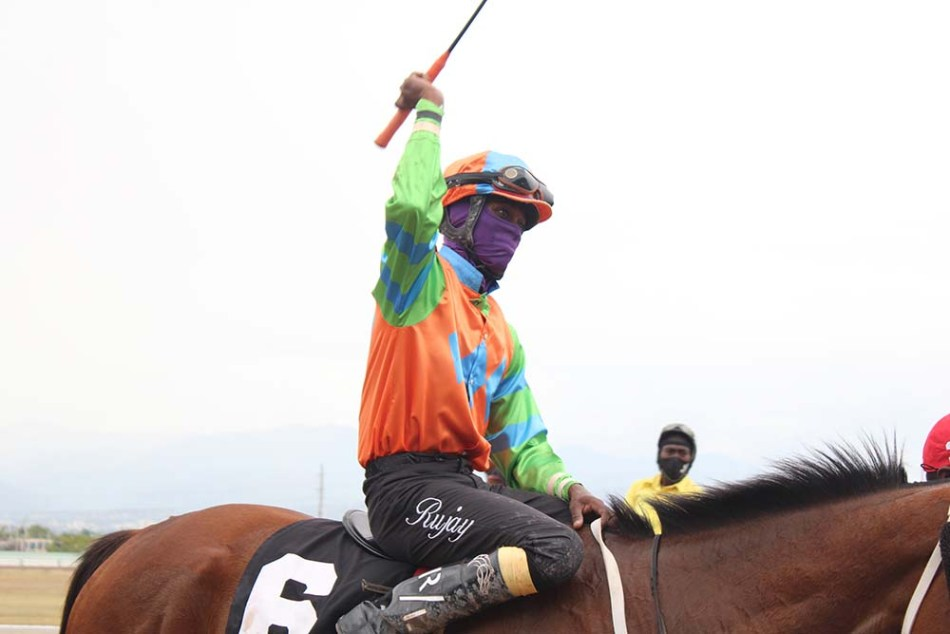 Jockey Ruja Lahoe after his win on Tradition. (Photo: Kimberly Bartlett)