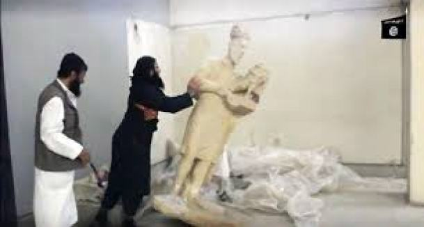 isis-destroys-mosul-artifacts2