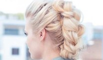 Super Easy Hairstyle You Can Do In Less Than 10 Minutes