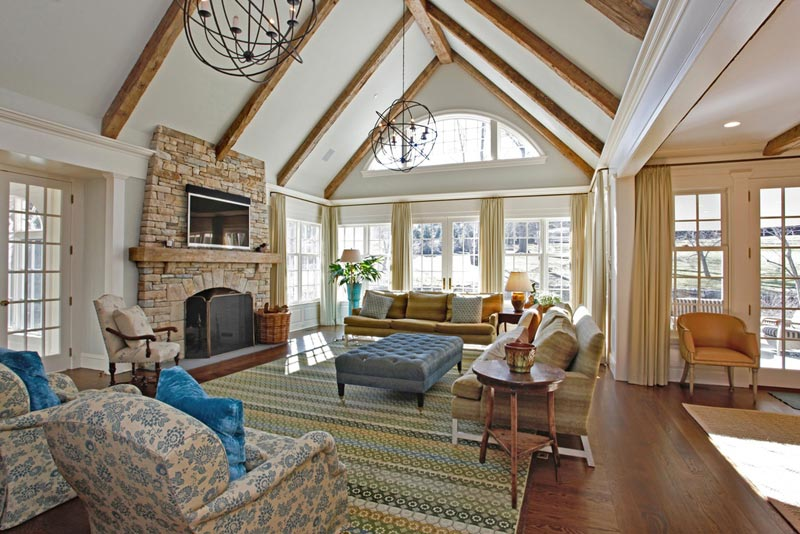 Living Room Designs With Exposed Beams (3)