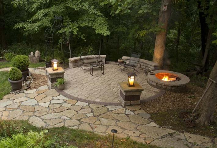 Outdoor Fire Pit Seating Ideas (4)