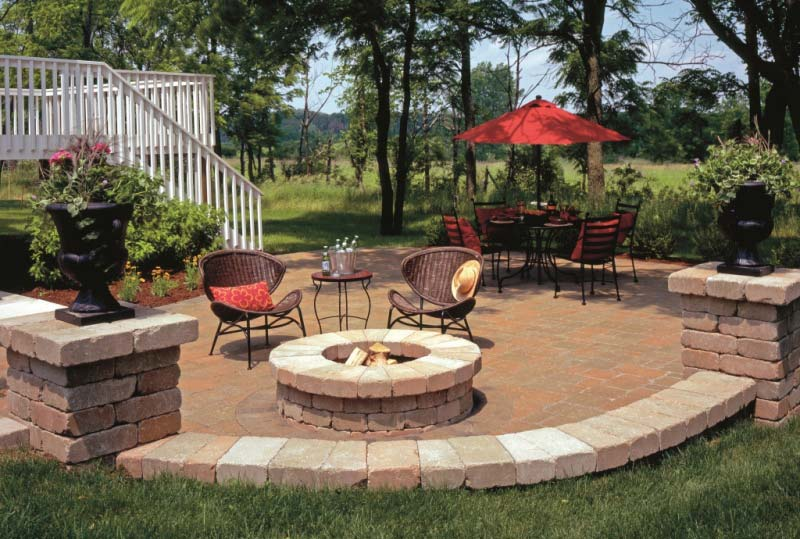 Outdoor Fire Pit Seating Ideas - Quiet Corner on Backyard Patio Designs With Fire Pit  id=24127