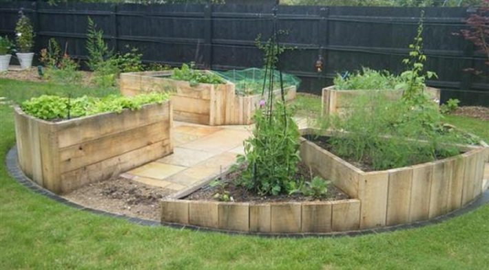 How to Build A U-Shaped Raised Garden Bed h (2)